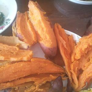 供应丘陵优质红薯,无虫眼。无裂纹,品相好,长条形,瓜瓤通...