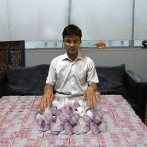 金乡县《干蒜》价格暴跌后成交量巨大,主要北京帮收购,温州...