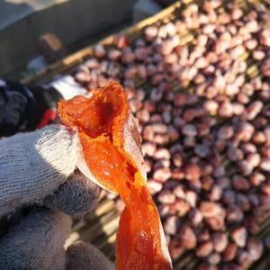 优质柿饼,入口绵甜。季节性的东西,手工去皮,天然晾晒,自...