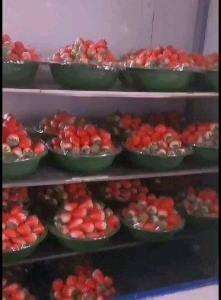 户县祖庵镇章姬奶油草莓